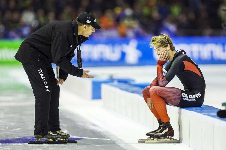Anema en pupil Bergsma na de 10.000 meter op de NK Afstanden. Beeld anp