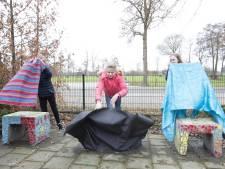 Kunst voor kinderen in Marle: Zitelementen op plein onthuld