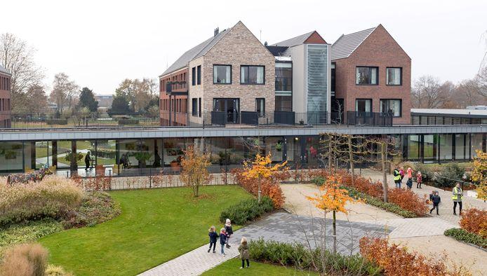In de buurt van Annahof en Sint-Barbara (foto) in Wijbosch komen mogelijk kleine huizen voor vrijwilligers te staan.