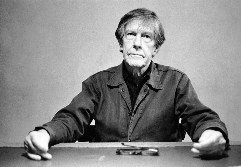Om de tijdsduur van het stuk te bepalen, werkte John Cage met een zelfgemaakt deck tarotkaarten. Beeld Frans Schellekens/Redferns