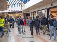 Mondkapje rukt op in grote winkelsteden Oost-Nederland: 'Ze waren nergens meer te koop'