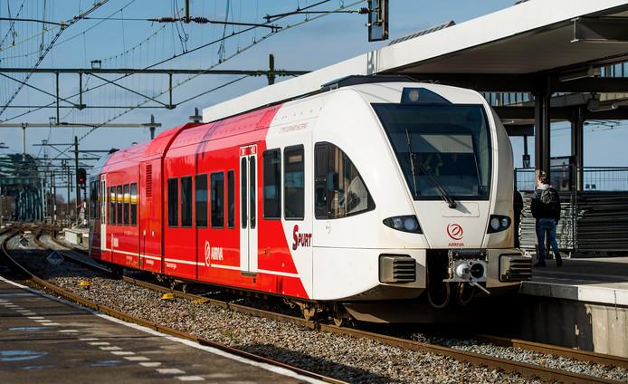 Dit type trein rijdt tegenwoordig heen en weer tussen Apeldoorn en Zutphen. Een modern rijtuig en op veel fronten een hele verbetering dan z'n voorgangers op dit traject. Wat betreft Apeldoorn wordt deze toch vervangen door een elektrische trein.