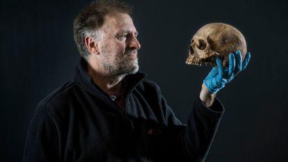 Kinderen kunnen zelf eeuwenoude skeletten onderzoeken op erfgoedsite Ename