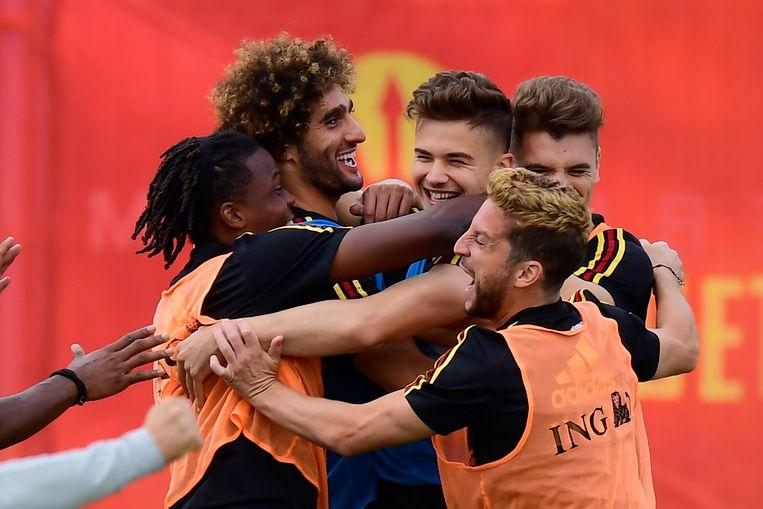 De Rode Duivels vieren een doelpunt tijdens een trainingsmatch. Tijdens het WK voetbal in Rusland zetten dagelijks tot 125.000 Belgen online weddenschappen in. Dat zijn er dubbel zoveel als normaal, zegt de Kansspelcommissie.