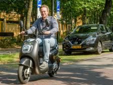 Zeist staat binnenkort vol met elektrische deelscooters: 'Lekker voor bijvoorbeeld een ritje naar Doorn'