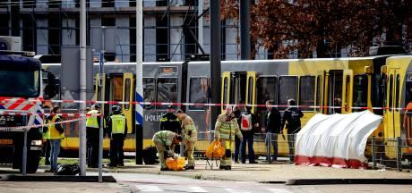 LIVE  De dag na aanslag Utrecht: Vlaggen halfstok, onderzoek gaat verder, eerste bloemen