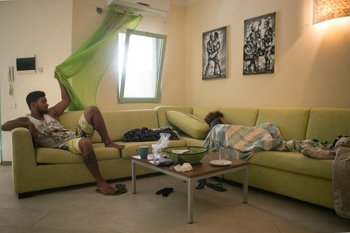 Overal ter wereld thuis bredase fotografe marleen hoftijzer zoekt thuisgevoel breda - Bank thuis van de wereld ...