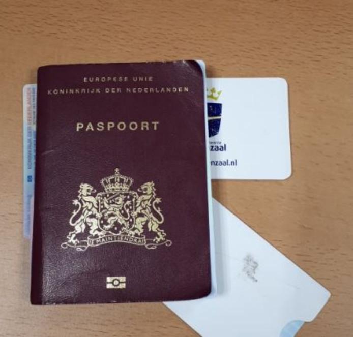 Een in beslag genomen vals paspoort