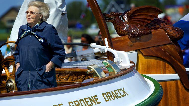Prinses Beatrix aan boord van De Groene Draeck. Beeld anp