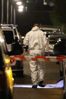 Man doodgeschoten in auto Parallelweg: 'Ik hoorde heel veel schoten'