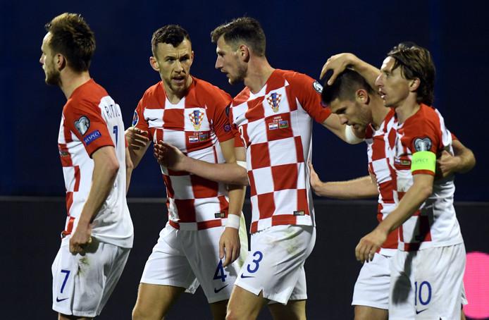 Kroatië worstelt zich pas in de slotfase langs Azerbeidzjan.