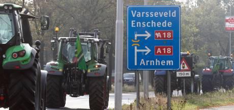 Achterhoekse boeren onderweg naar provinciehuis in Arnhem, files op A12 en A18
