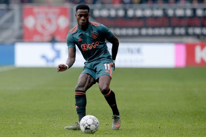 Quincy Promes tijdens het duel met FC Twente.