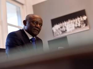 Pierre Kompany visé par des messages racistes: le cdH porte plainte, trois Belges interpellés en RDC