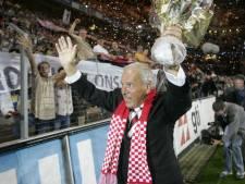 PSV-supporters brengen zaterdag met erehaag laatste eerbetoon aan Harry van Raaij