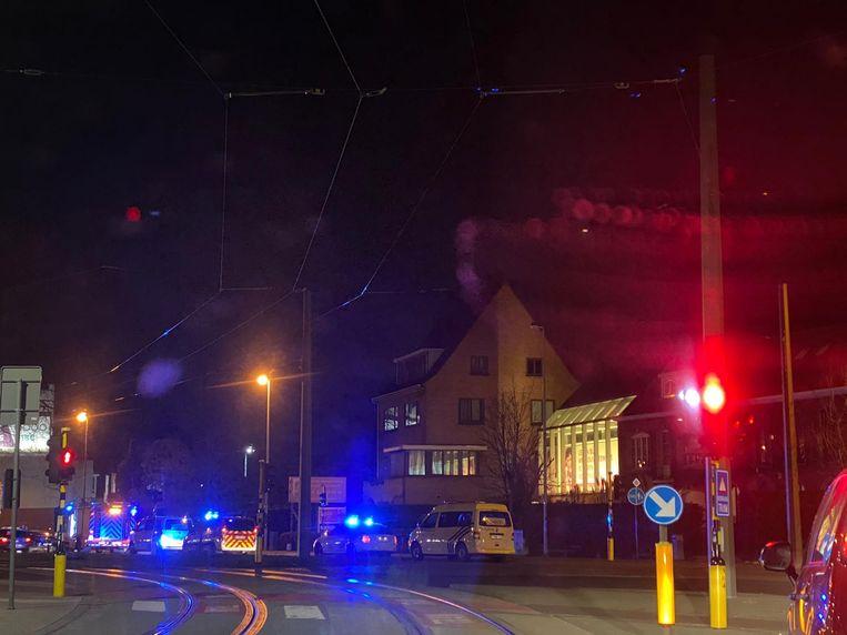 Brandweer en politie komen ter plaatse bij het huis van Bart De Wever.