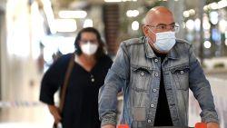 Nu ze verplicht worden in winkels: hoe draag je een mondmasker? Welke maskers zijn het meest efficiënt? En wat zegt de wetenschap over het nut ervan?