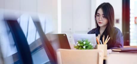 Le combat des femmes japonaises pour pouvoir porter leurs lunettes au travail