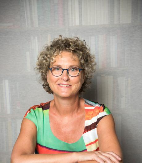 Misdaadroman De Veluwse Verdwijning van Bertina Mulder uit Epe gebaseerd op rouwadvertentie in de Stentor