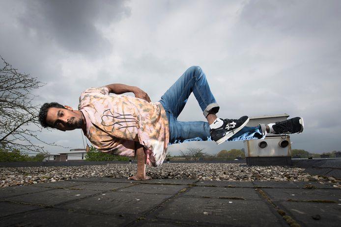 Breakdancer Ranil van Peperstraten uit Boxtel heeft samen met dansdocente Lotte Timmermans Culture Exchange Boxtel opgezet.