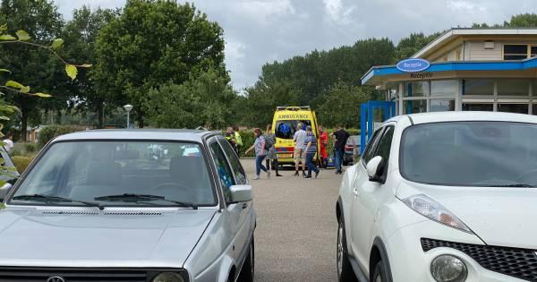 Man met ambulance afgevoerd na ongeluk met slijptol op camping in Zeewolde.