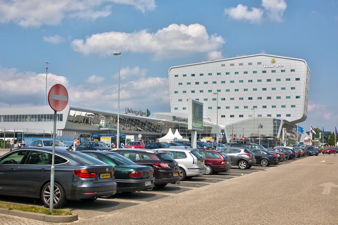 Parkeren bij Eindhoven Airport.