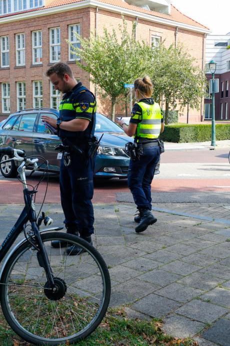 Weer aanrijding op Jacob Catslaan in Eindhoven: fietser gewond naar ziekenhuis