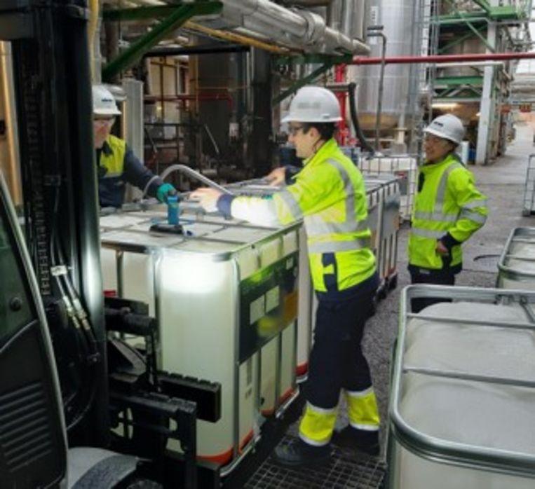 Oelegems bedrijf Oleon produceert 20 000 liter handontsmettingsmiddel.