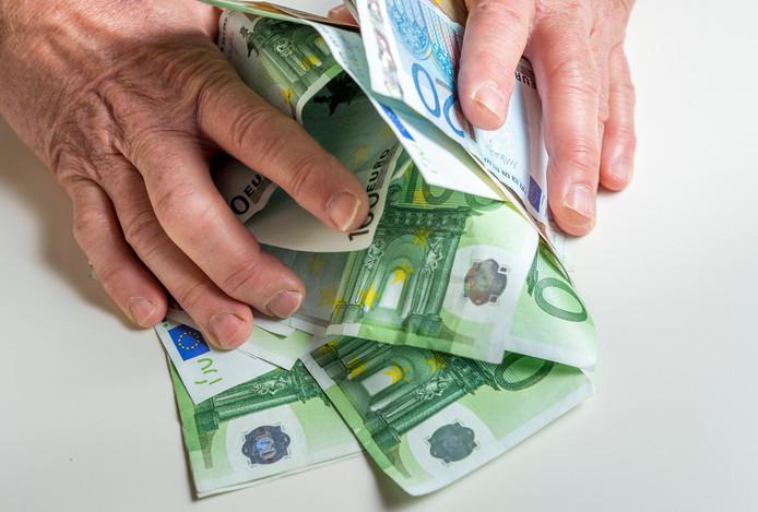 Kampen heeft de afgelopen maanden 6,5 miljoen euro bezuinigd.