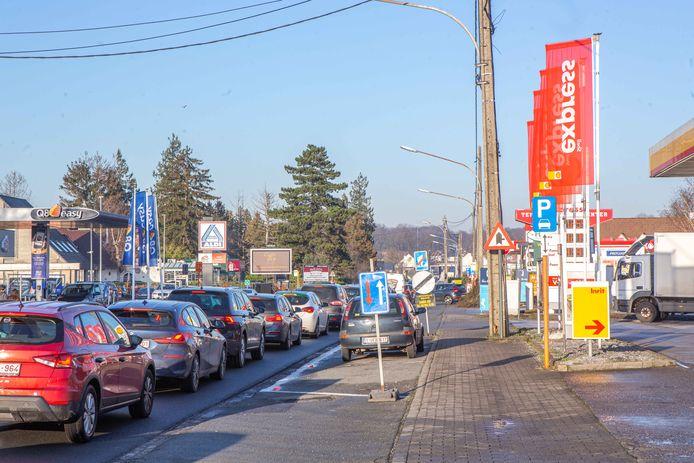 De Assesteenweg in Ternat.