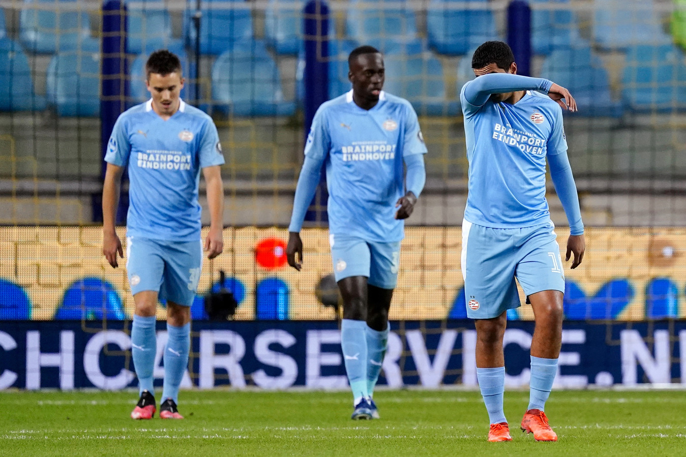 Ryan Thomas, Jordan Teze en Mohamed Ihattaren balen in Arnhem van het verlies tegen Vitesse.