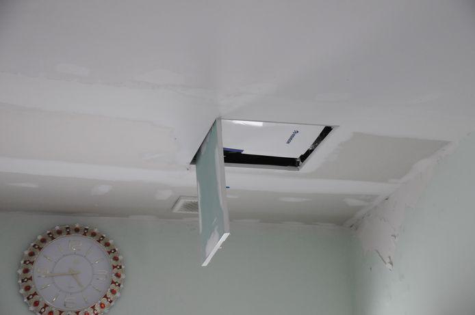 In de woning werd een ventilatiesysteem gebouwd.