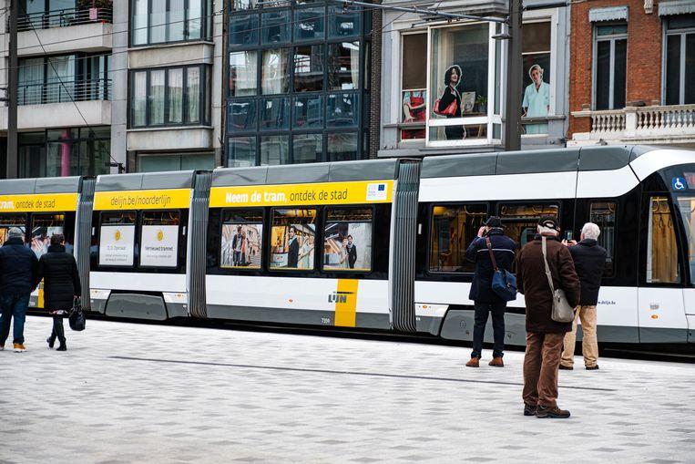De nieuwe tramlijn aan het Operaplein.