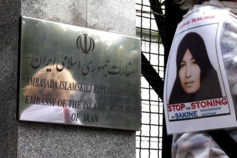 Een actievoerder voor de Iraanse ambassade in Polen. ANP Beeld