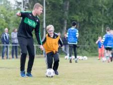 Spelers genieten met volle teugen van clinic G-voetbal in Heinkenszand
