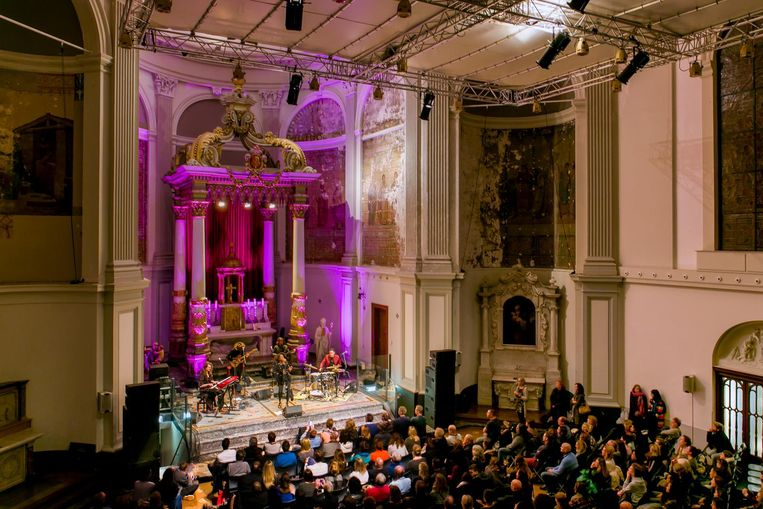 Met het zicht op het indrukwekkende orgel van De Duif hoor je dit weekend een concert. Beeld Wouter van der Wolk
