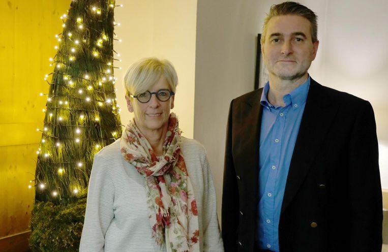 Marleen Vanderpoorten en lokaal voorzitter Tom Vanhoutte.