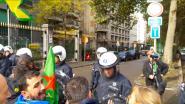 Grimmige sfeer tijdens protestactie Koerden: politie zet traangas in