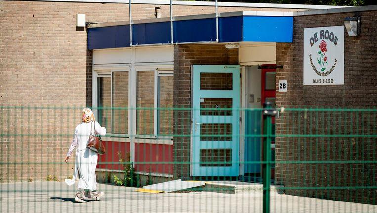 De Islamitische Basisschool De Roos. De Stichting Islamitisch Onderwijs Zaanstad sleept vier ouders voor de rechter om negatieve uitlatingen over de vermeende Gulen-basisschool. Beeld anp