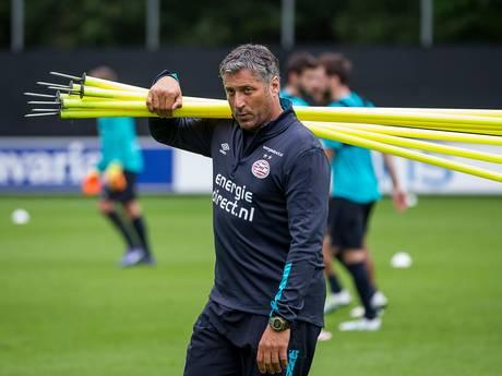 PSV praat met assistent Brood
