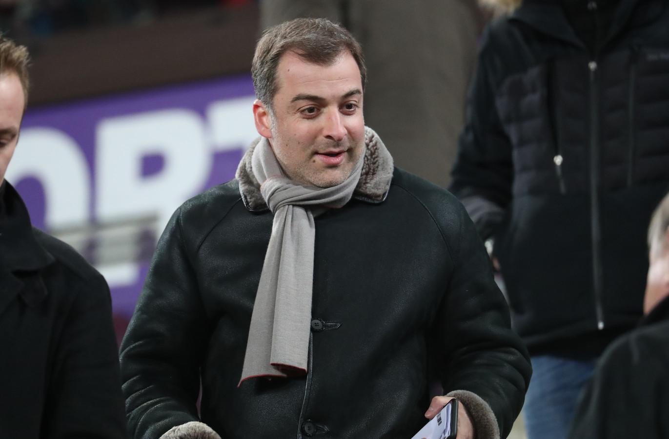 20 februari 2019: Mogi Bayat laat rekeningen Anderlecht blokkeren omdat de club hem weigert te betalen. De makelaar was ook al van de partij op de tribunes van het Constant Vanden Stockstadion.