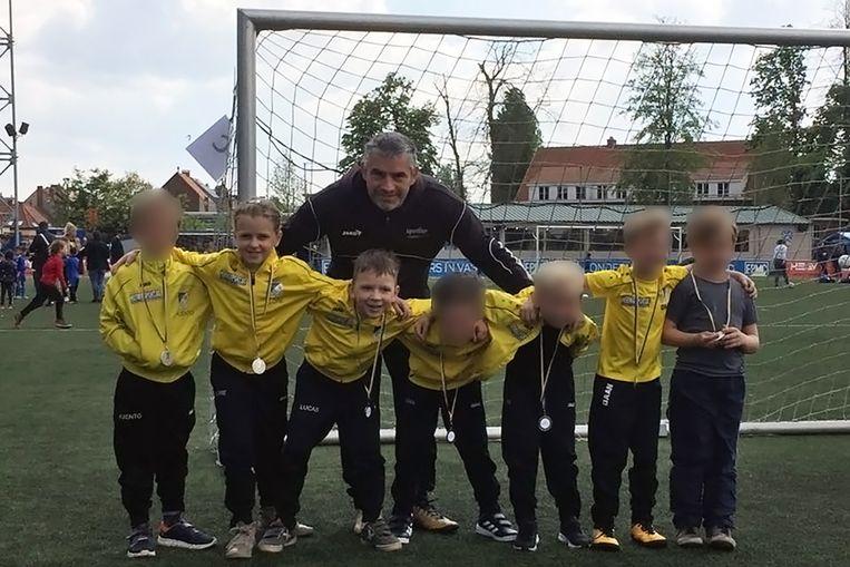 Lore en Lucas namen vorige week nog deel aan een jeugdtornooi met hun voetbalclub KFC Vrasene.