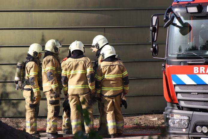 De brandweer rukte uit voor de brand bij de boerderij in Boxtel.