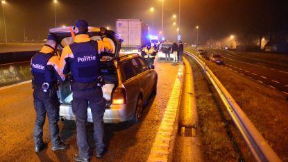Twee jaar cel voor wegpiraten onder invloed van speed die krik naar politie gooiden tijdens wilde achtervolging