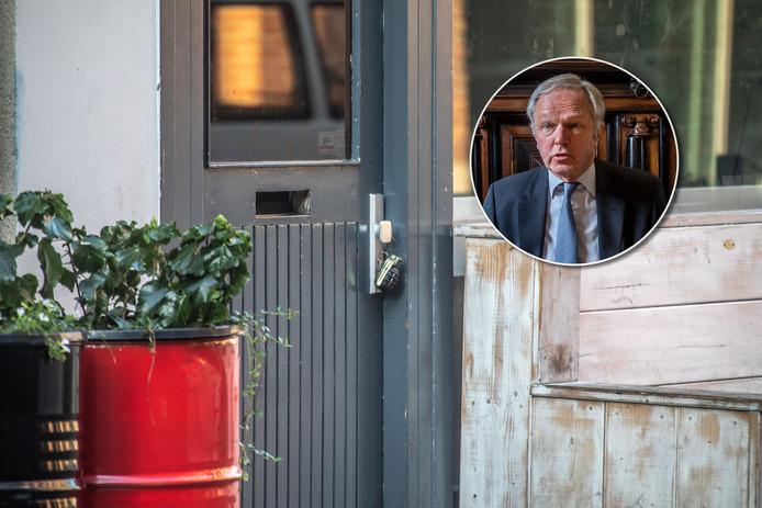Burgemeester Meijer sloot café Bruut na de vondst van een handgranaat.