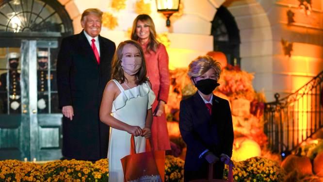 IN BEELD. Halloween op het Witte Huis, met onder meer een mini-Trump en mini-Melania die (op afstand) de show stelen