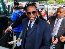 R. Kelly is bang voor coronavirus en wil uit cel, officier is zijn gezeur zat