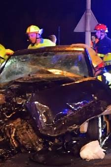 Verpleegkundige (22) helpt moeder en dochter na crash op snelweg: 'Ze hebben heel veel geluk gehad'