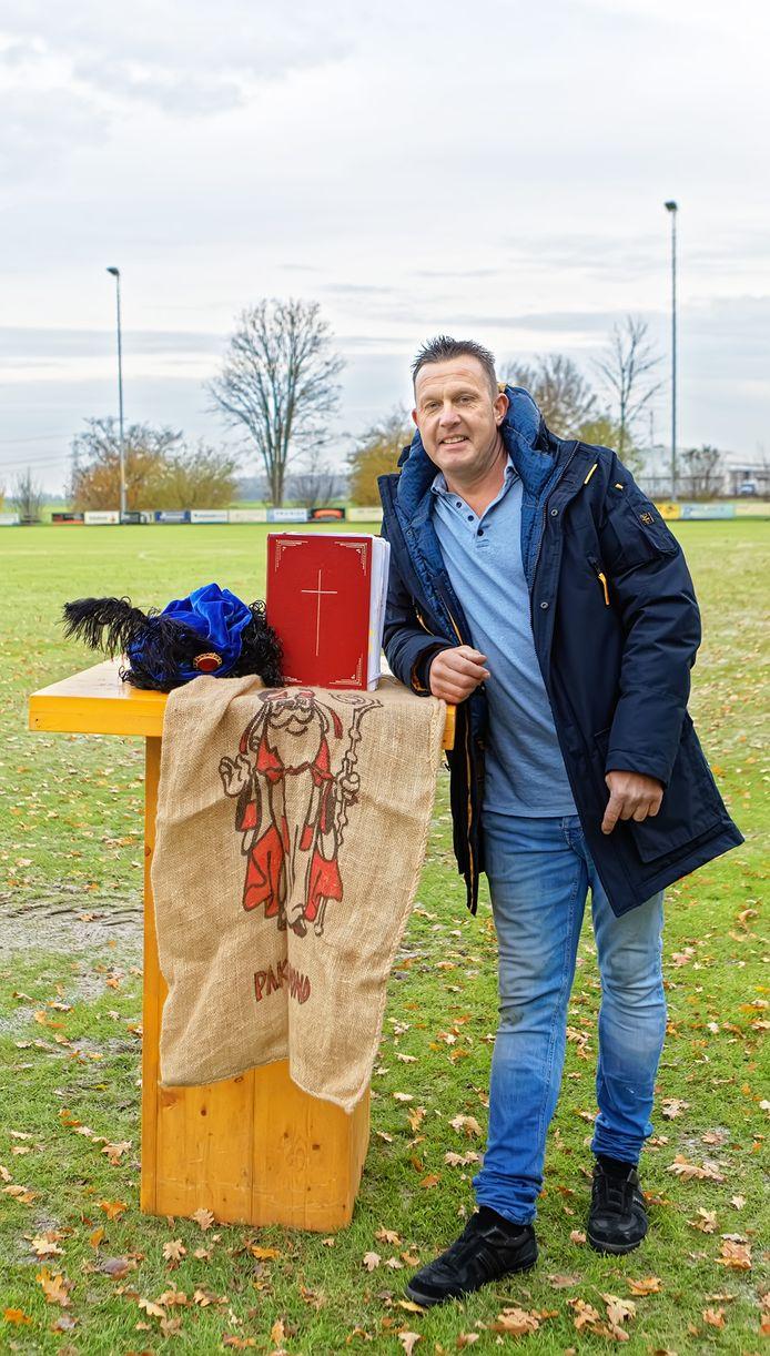 Maurice van Mook is al zo'n twintig jaar actief voor het sinterklaascomité in Hooge Zwaluwe.