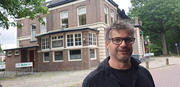 Gerben Wechgelaer voor zijn nieuwe horecagelegenheid Concordia in Brummen.